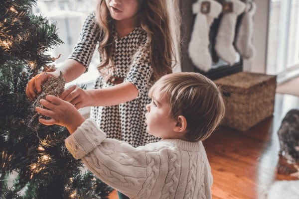 Family Christmas Ideas | Fun Family Christmas Morning Traditions To Start This Year