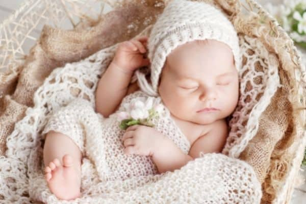 200+ BEST Earthy Girl Names With Meanings [Nature Inspired]
