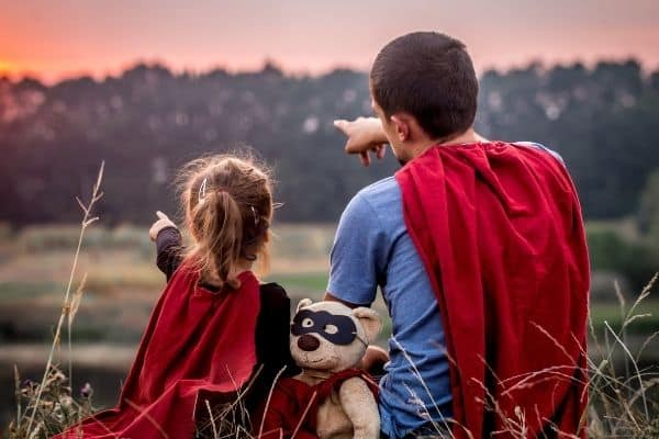 30+ Inspirational Single Dad Quotes For Single Fathers [With Images]