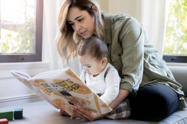 30+ Inspirational Stay At Home Mom Quotes [With Images]
