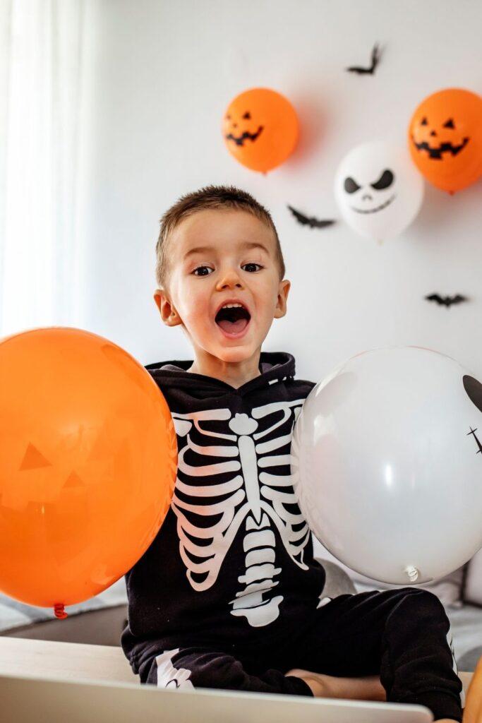halloween decorate house